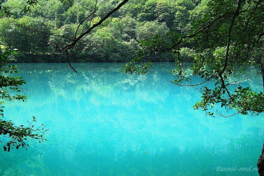 Голубое озёро КБР